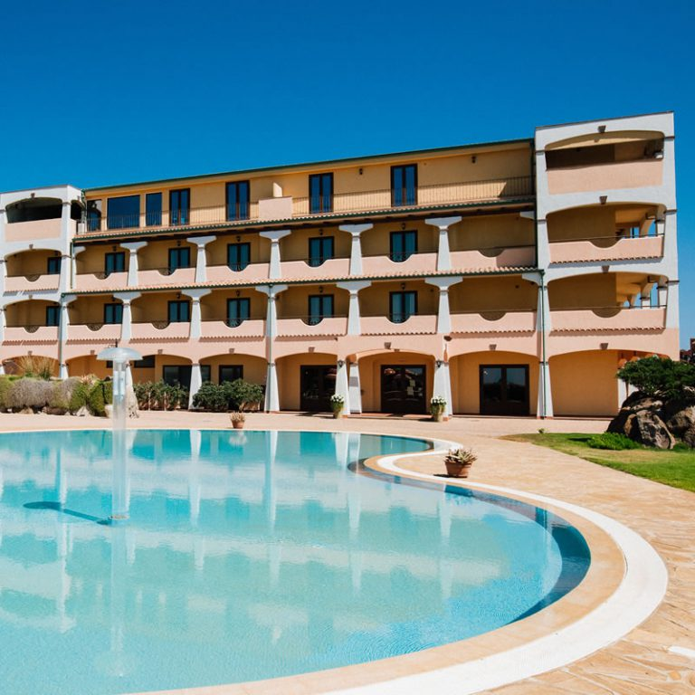 Swimming pool Hotel Lido degli Spagnoli